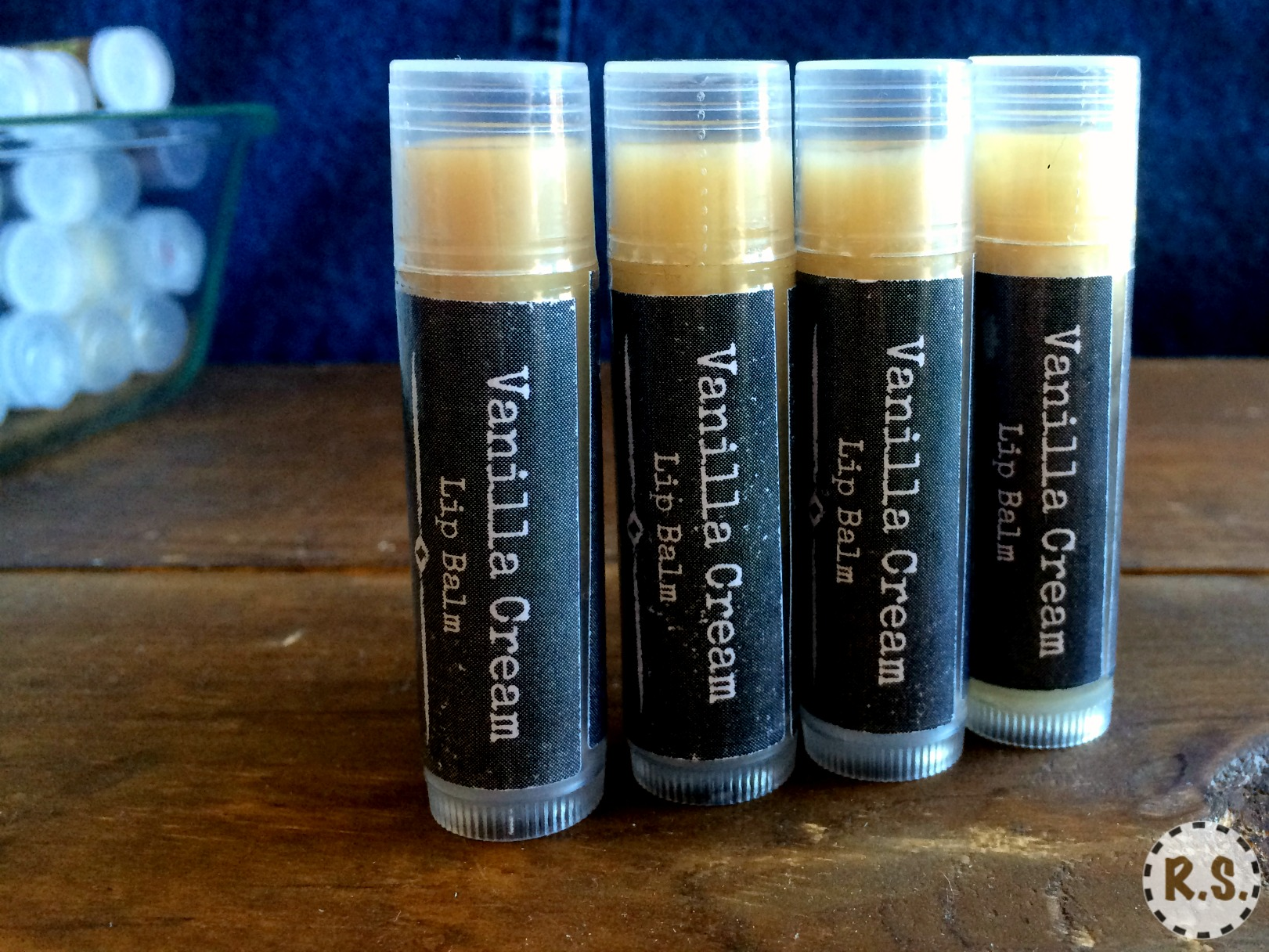 A easy vanilla lip balm recipe you'll love. This DIY lip balm is made with coconut oil. It's healing homemade & the best. You will love the simplicity of the recipe and the soothing feel on your lips.